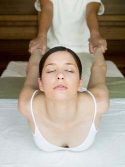Masaje tradicional tailandes - Thai yoga massage